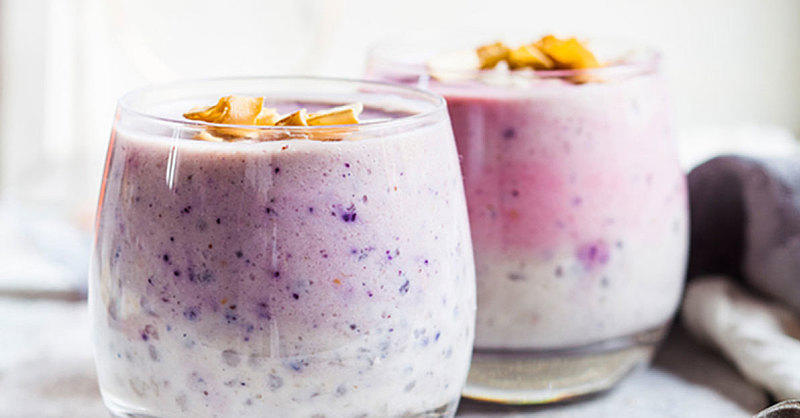 This Ombré Dragon Fruit Smoothie Makes for the Dreamiest Morning Ever