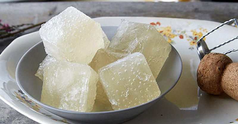 Champagne Ice Cubes Just Seriously Upgraded Your Brunch Mimosas