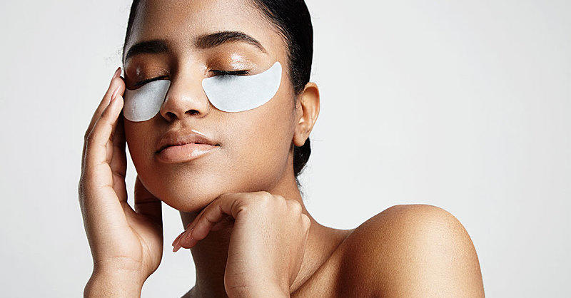 3 Insanely Easy Beauty Hacks for Getting Rid of Under Eye Bags