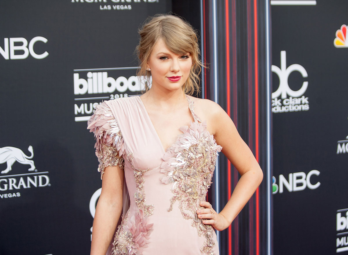 Taylor Swift Swears By L-theanine Supplements—But Do They Actually Work?