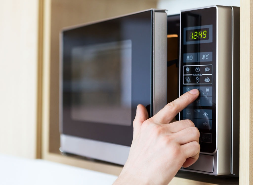 13 Biggest Microwave Mistakes You're Making