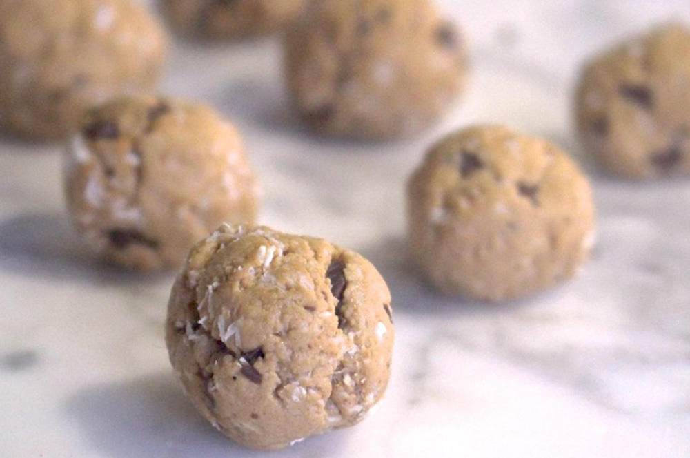 No-Bake Cookie Dough Recipe That's Packed with Protein