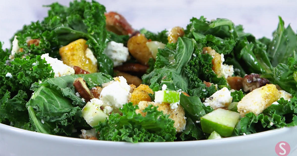 Make This Kale Salad Using Leftover Thanksgiving Stuffing