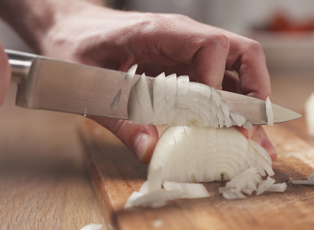 A Chef Says This Is the Best Way to Chop an Onion