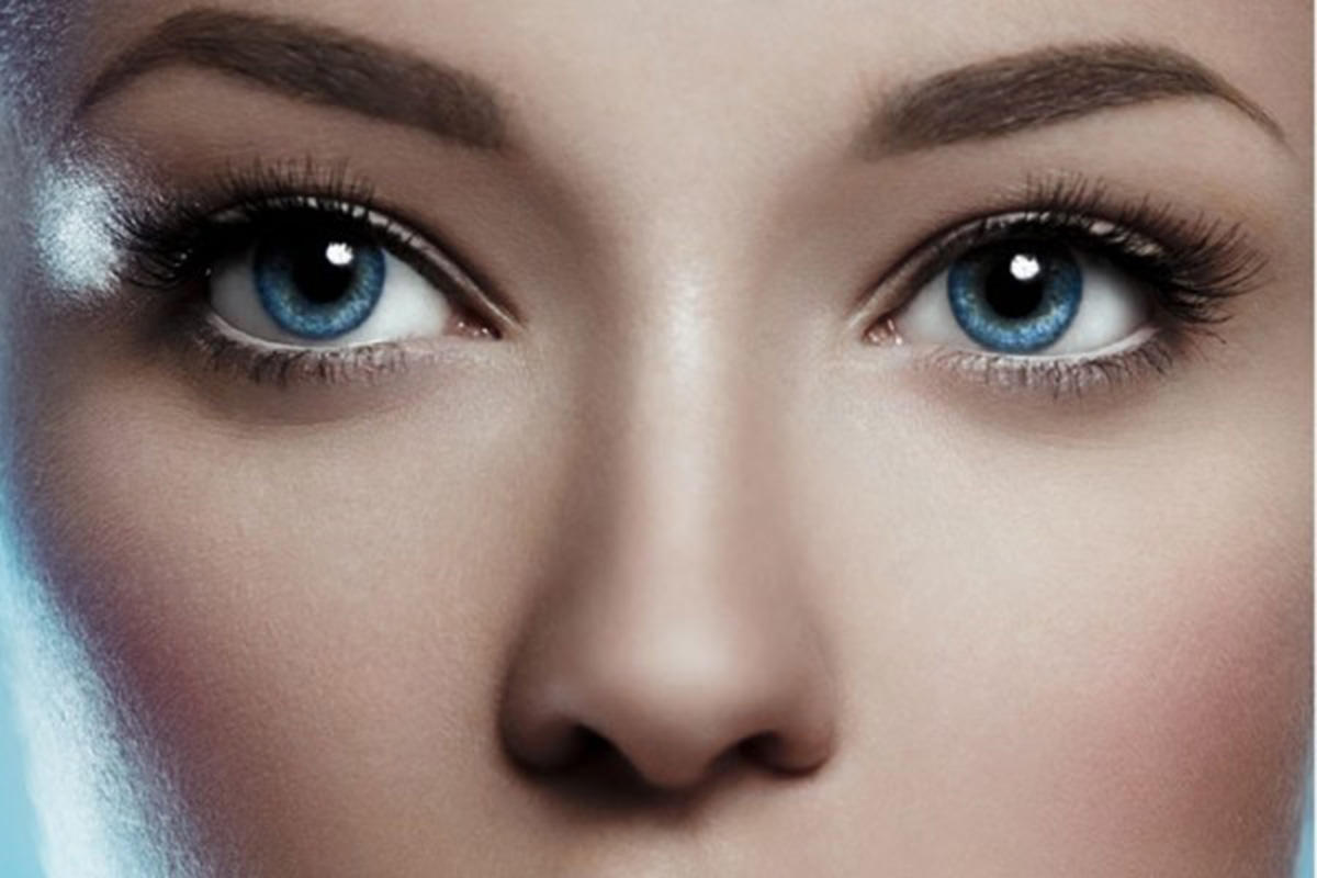 The Quick Eyeliner Trick to Make Your Eyes Look Bigger