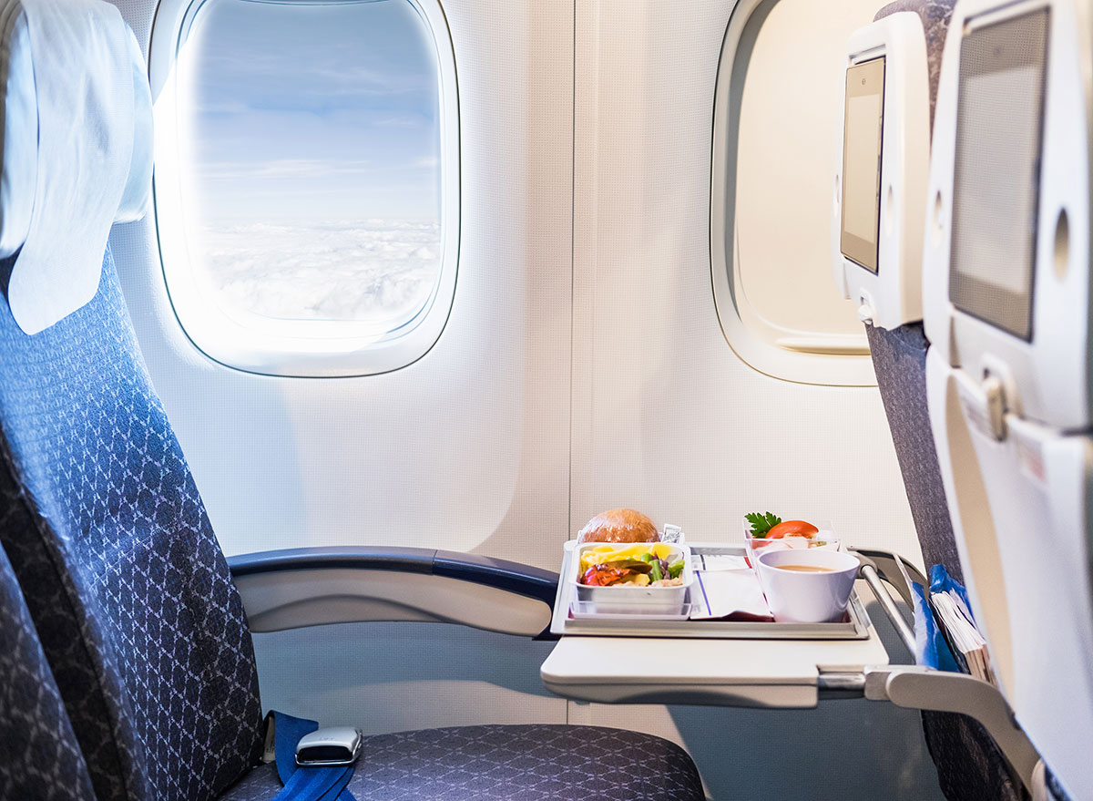 The 13 Worst Foods to Ever Eat on an Airplane