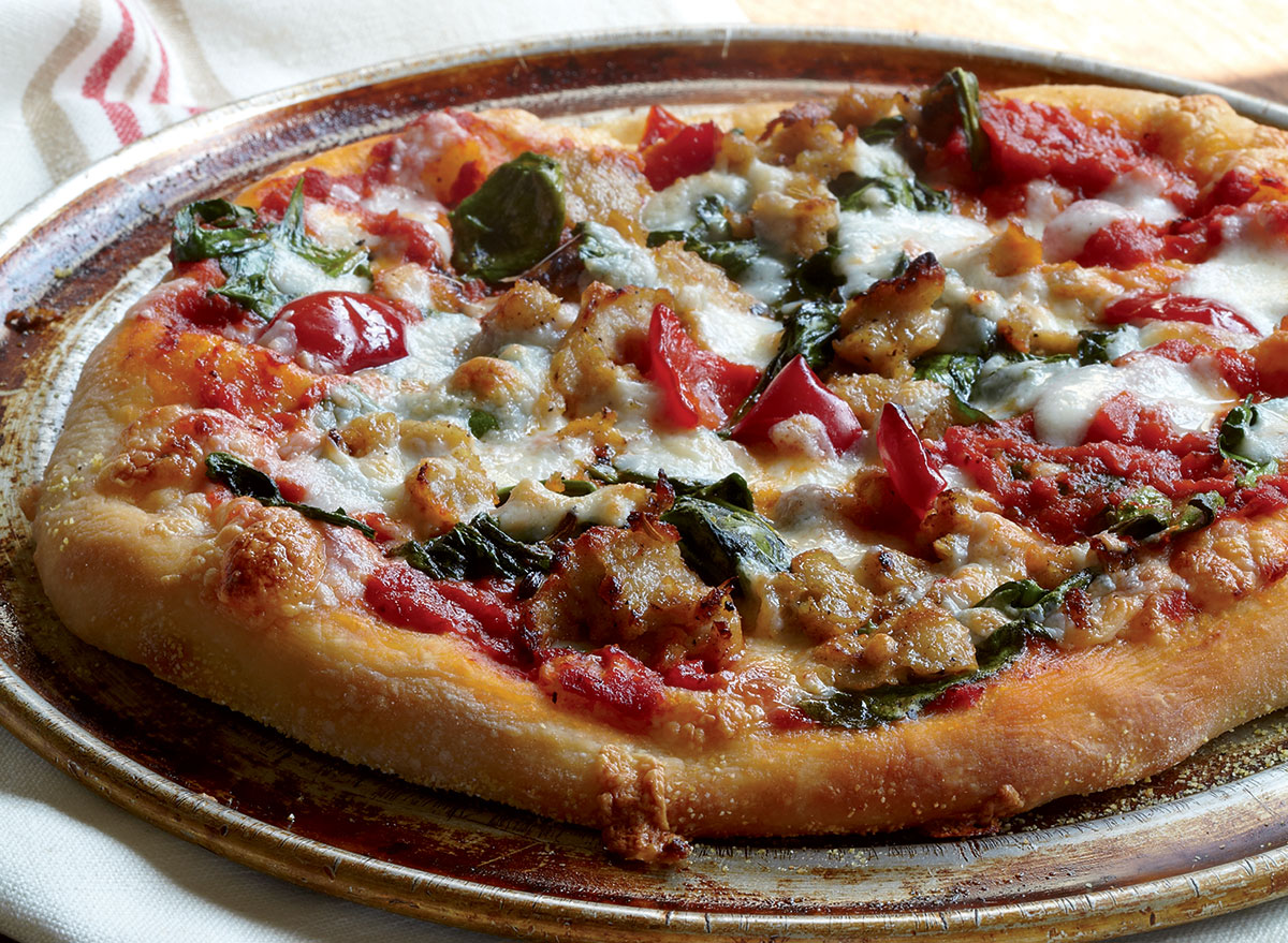 The Best Homemade Spinach, Sausage, and Pepper Pizza
