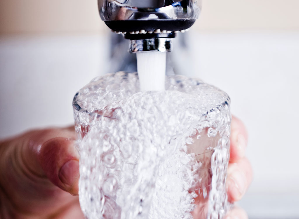 This is What Happens to Your Body When You Drink Water