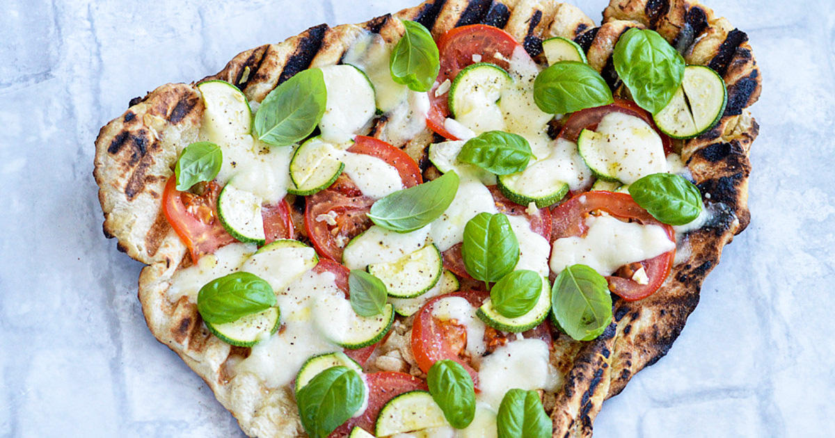 This Grilled Veggie Pizza Is Way Faster (and Healthier) Than Ordering Delivery