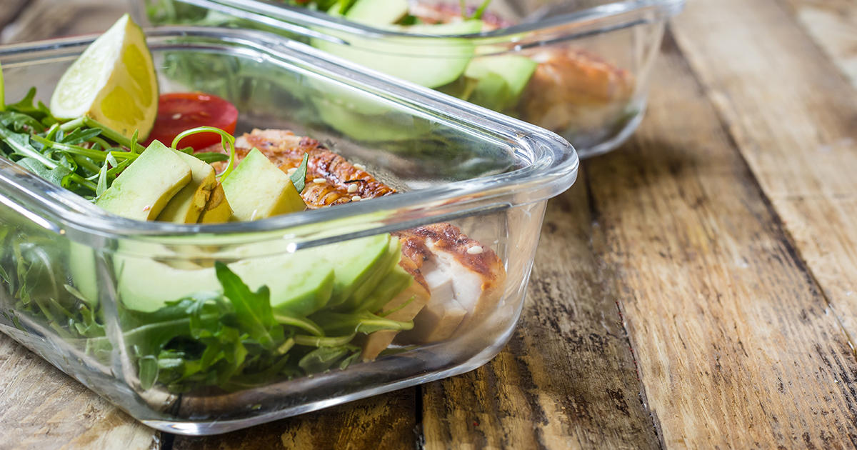 The Crazy Simple Meal-Prep Hack to Keep Your Salad Fresher
