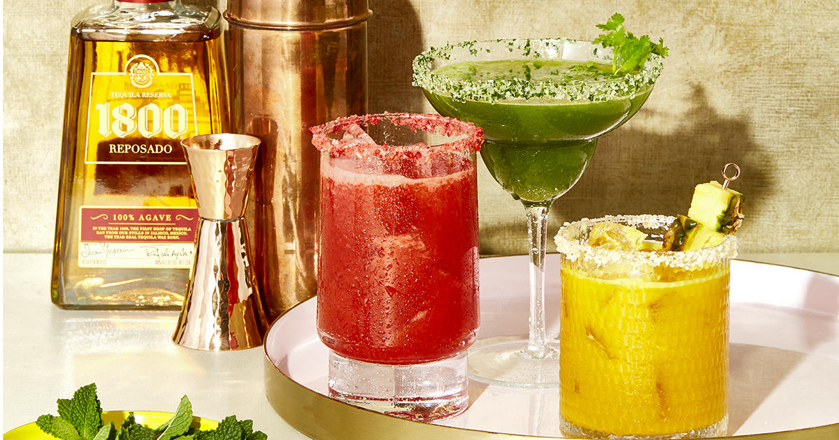 Healthy 3-Ingredient Cocktails for All Your Summer Happy Hours