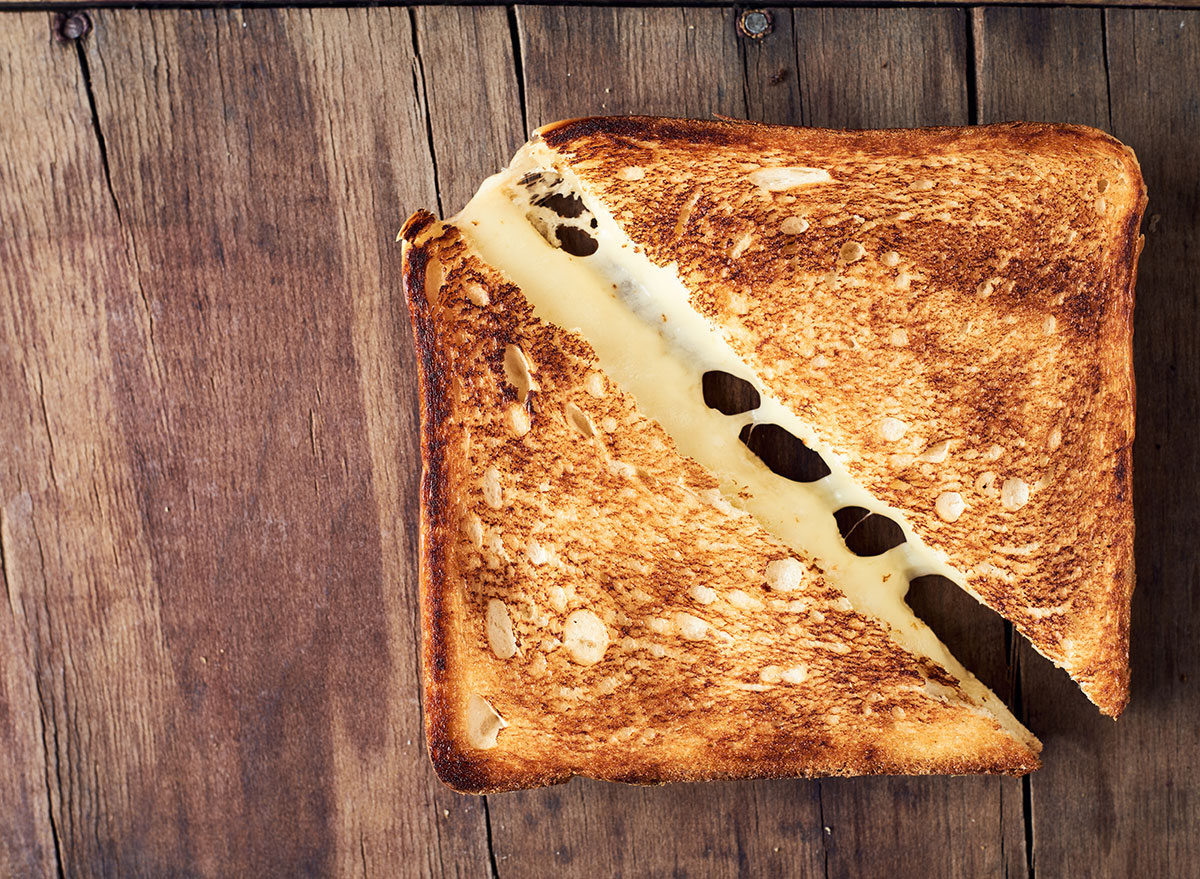 The One Ingredient Your Grilled Cheese Is Missing