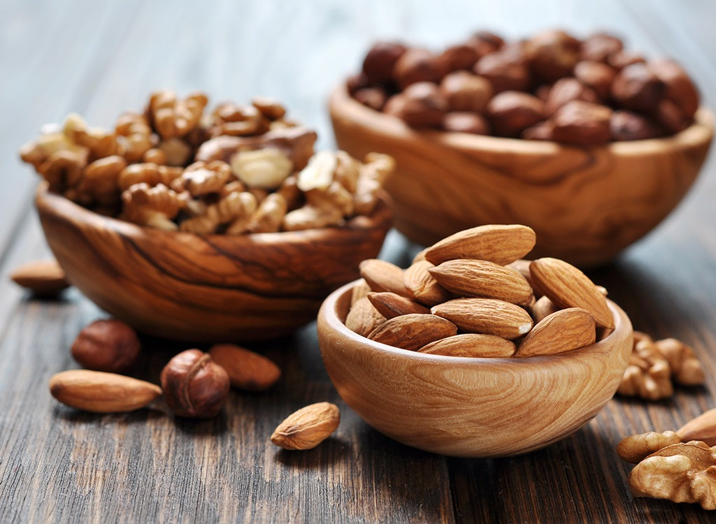 6 Best Nuts for Weight Loss