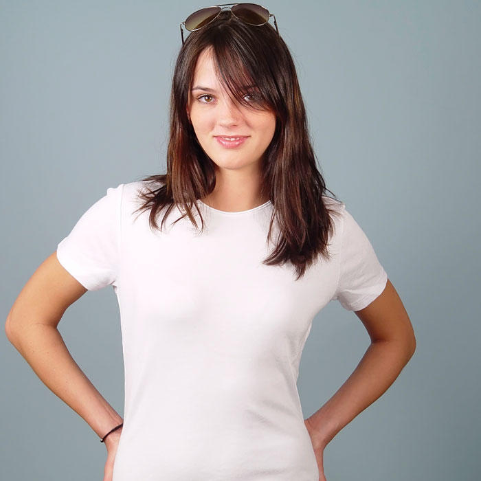 5 New Ways to Wear a White T-Shirt