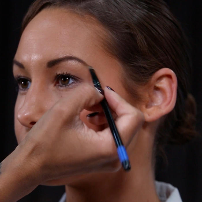 Beauty Express: A Fool-Proof Way to Fake a Bold Brow