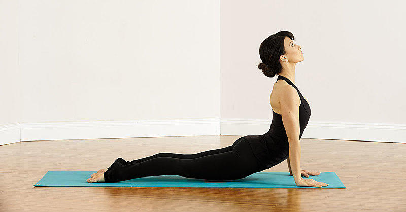 The 5 Yoga Poses Hilaria Baldwin Swears By for a ~Centered~ Mind and Body