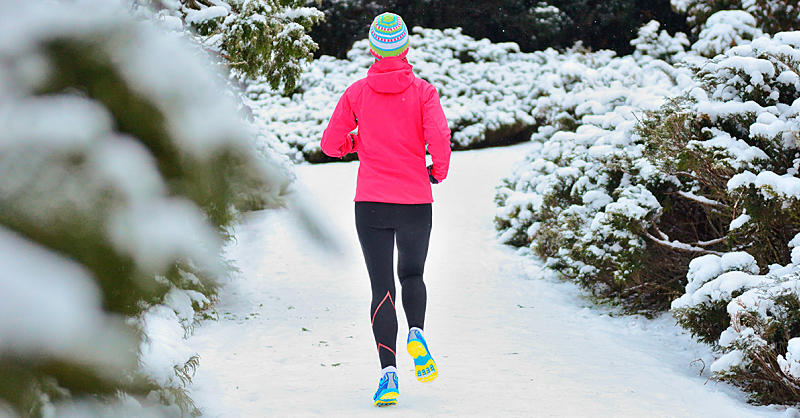 What to Eat Before, During, and After Cold-Weather Workouts