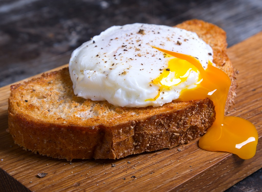 15 Morning Mistakes That Wreck Your Metabolism
