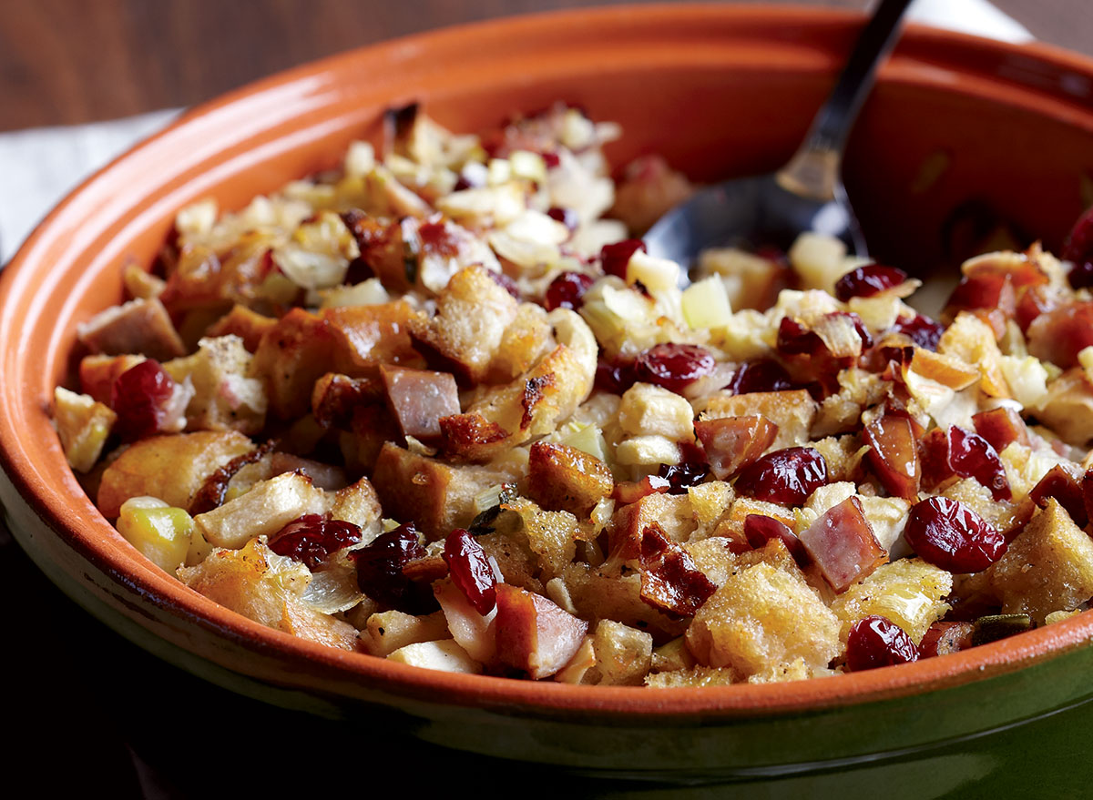 An Apple-Sausage Stuffing Recipe Packed With a Ton of Flavor