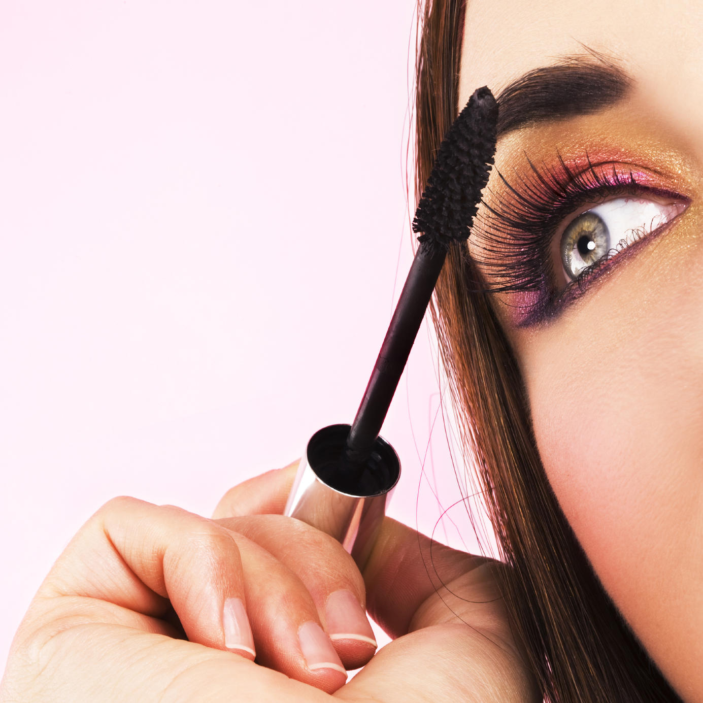 Eye Makeup Tips: Mascara Brush Basics