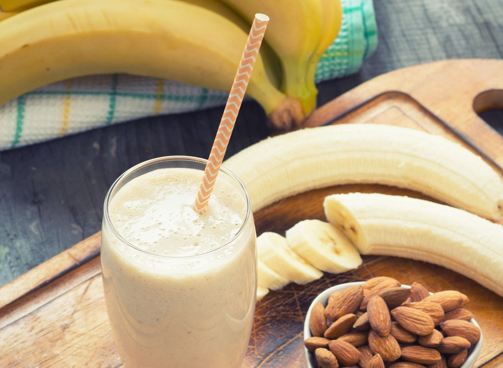 How to Make Protein Shakes for Weight Loss & Muscle Growth