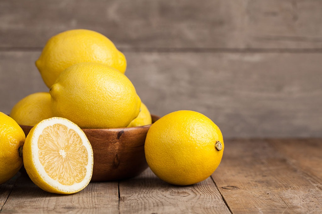 13 Things That Happen to Your Body When You Eat Lemons