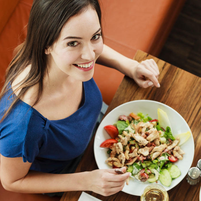 Ask the Diet Doctor: How to Use Weight Loss Apps While Dining Out