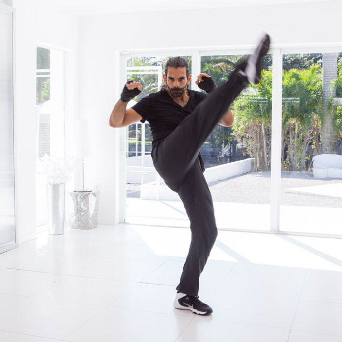 Video: Kickboxing for Killer Abs Workout