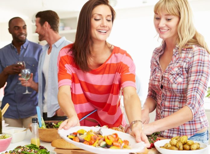 How to Host a Stress-Free, Healthy Dinner Party