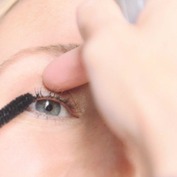 The Trick to Mastering Clump-Free Mascara