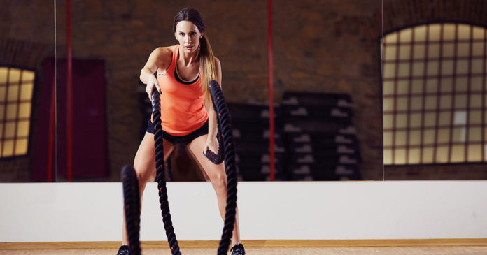 Here's What to Do with Those Giant Ropes at the Gym