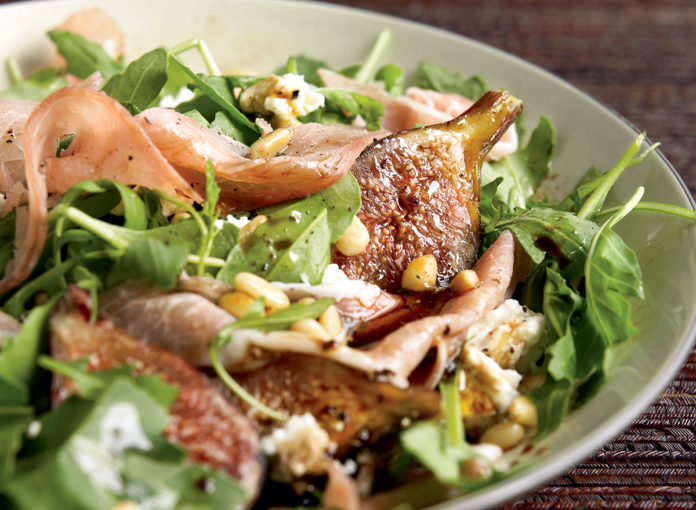 Simple and Healthy Fig, Prosciutto, & Goat Cheese Salad Recipe