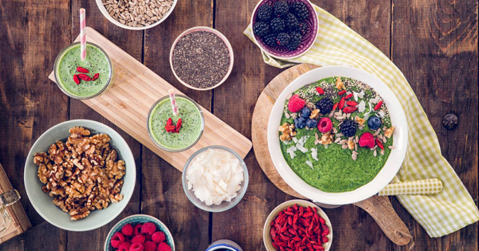 10 Trendy Superfoods Nutritionists Say You Can Skip