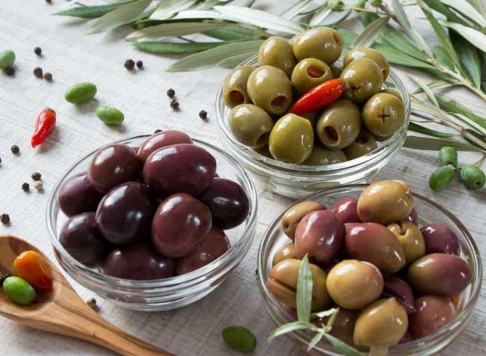 15 Best Foods to Eat from The Mediterranean Diet