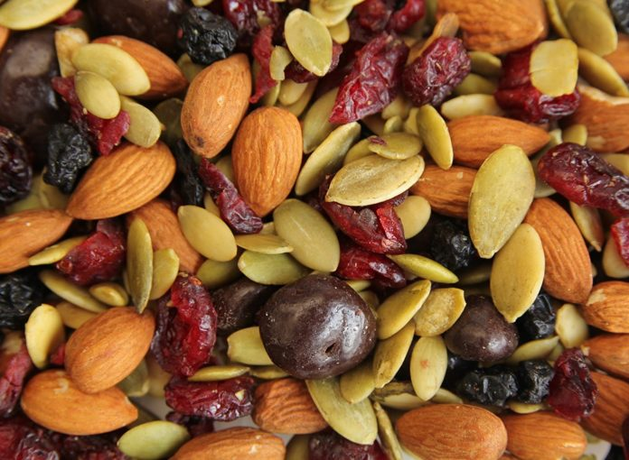 How to Make the Perfect Trail Mix