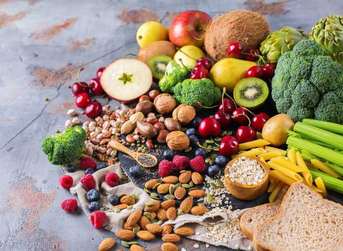 This Is Why You Should Get Nutrients From Food, Not Supplements