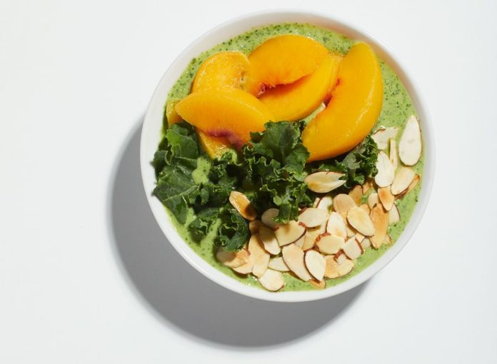 Quick and Easy Peaches and Kale Smoothie Bowl Recipe