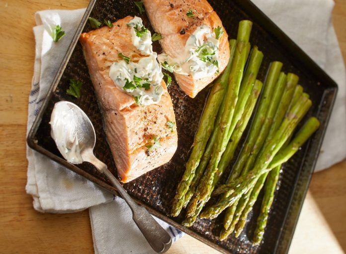 Keto Butter-Baked Salmon and Asparagus Recipe