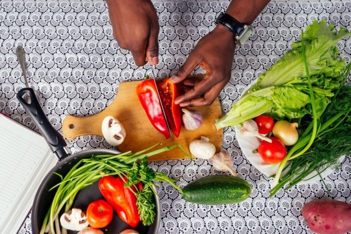 The Best Way to Eat for Your Microbiome and Improve Gut Health
