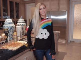 Paris Hilton Plots Her Return to the Limelight With a Brand-New Cooking Show
