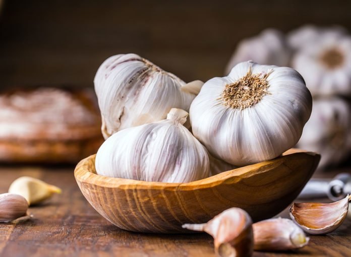 How to Get Rid of Garlic Breath Quickly
