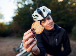 9 Best Protein Cookies For Muscle Growth, According to Nutritionists