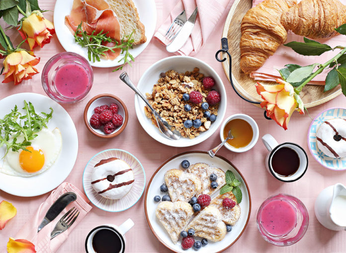 How to Pull Off an Epic (and Socially Distant) Boozy Brunch at Home