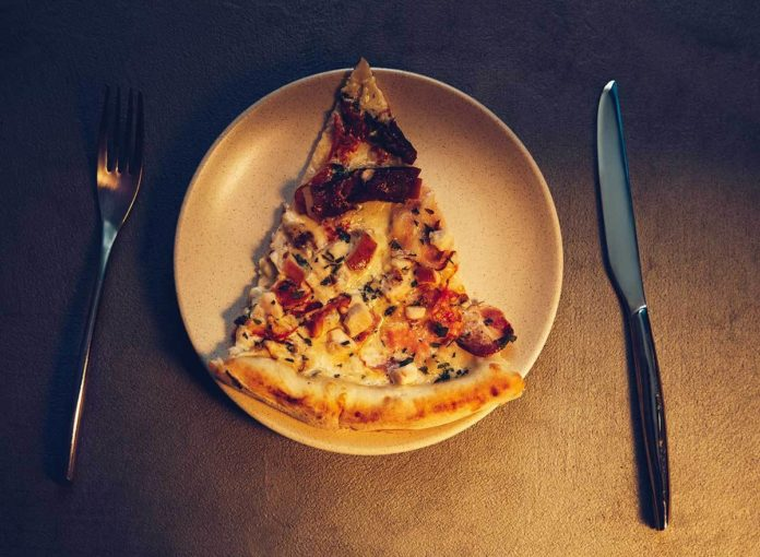 What Happens to Your Body When You Late-Night Snack