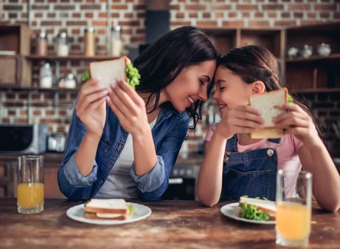 7 Food Mistakes That Expose You to COVID-19