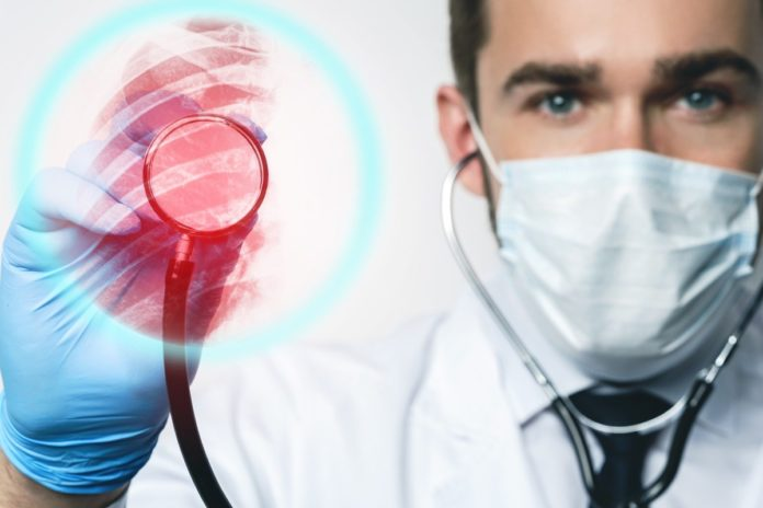 I'm a Lung Doctor and Here's How to Tell if You Have COVID