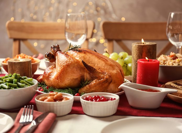 10 Ways to Stay Healthy on Thanksgiving, According to RDs