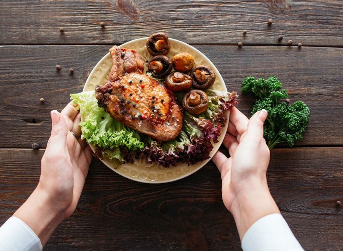 This One Simple Trick Will Make All Your Meals Healthy, Say Experts