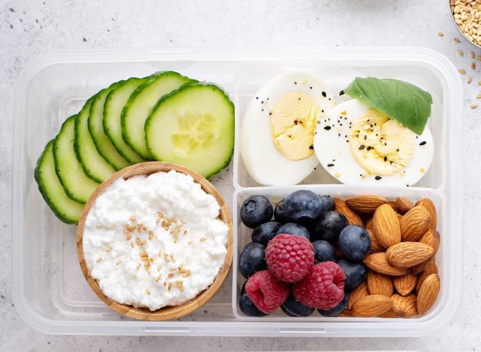 This Is What You Need to Eat to Lose Weight, Experts Say