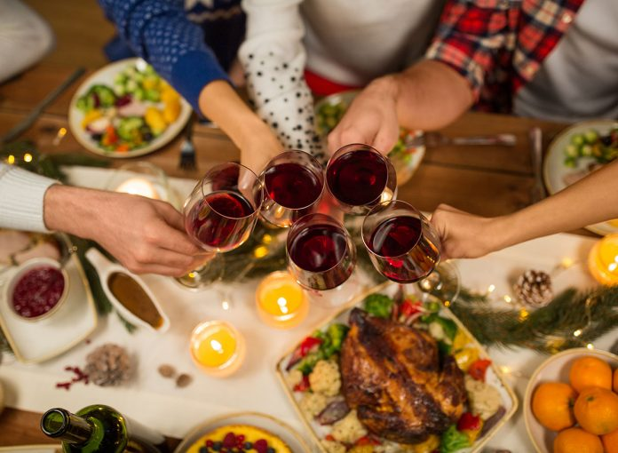 5 CDC-Approved Food Rules You Need to Follow This Holiday Season